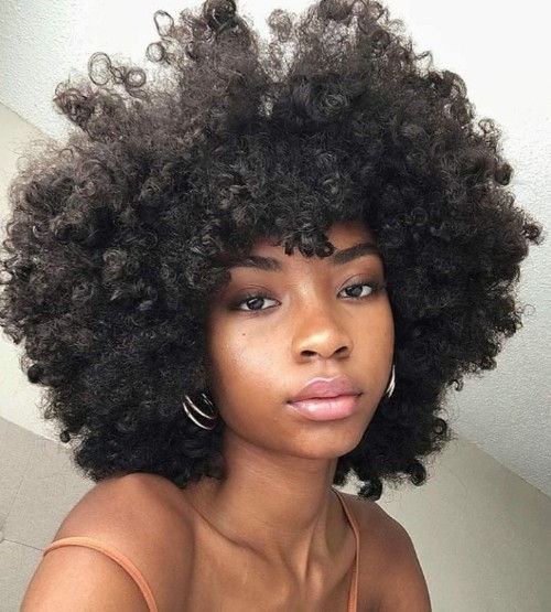 Dark Women hairdo