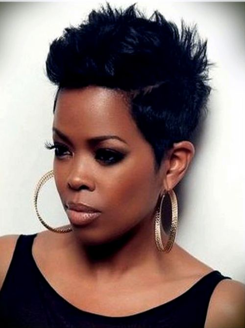 Messy Weaves With Partition Haircut