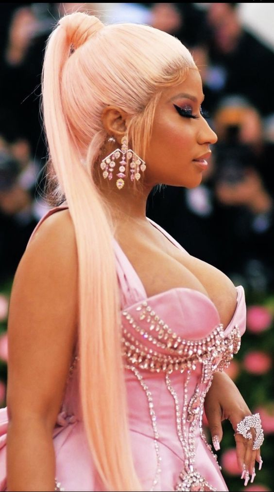 21 Most Iconic Nicki Minaj S Hairstyle New Natural